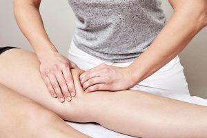 Osteopathie München Iris Hörmann Behandlung am Knie
